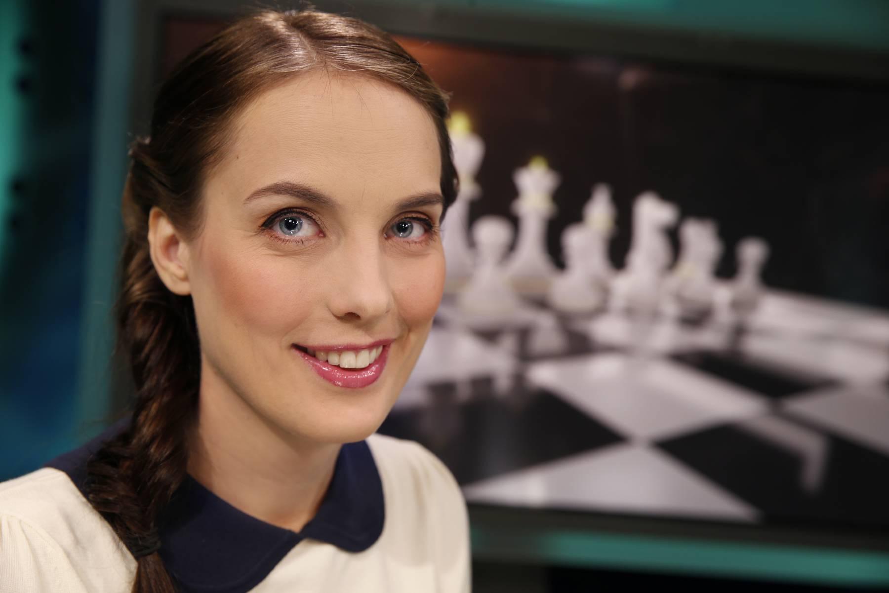 Asker Bridgeklubb Intervju Med Var Sjakk Heidi Nyheter Asker Bk Klubber Nbf Buskerud Kretser Vi Samler Bridgen Til Ett Sted Askerbk Org